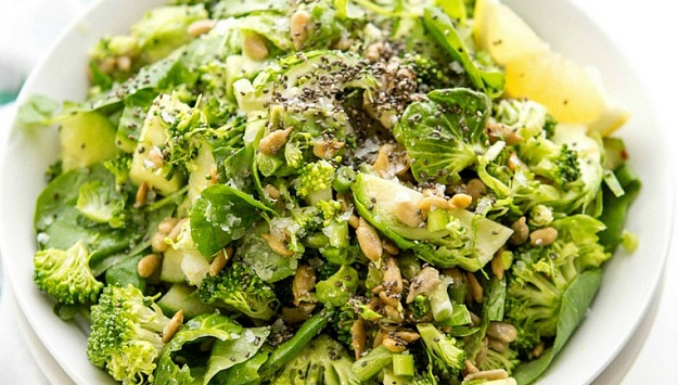 Healthy green detox salad recipe