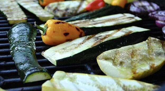 Grilled summer veggie salad recipe