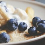 Johnnycakes recipe with blueberries and peaches