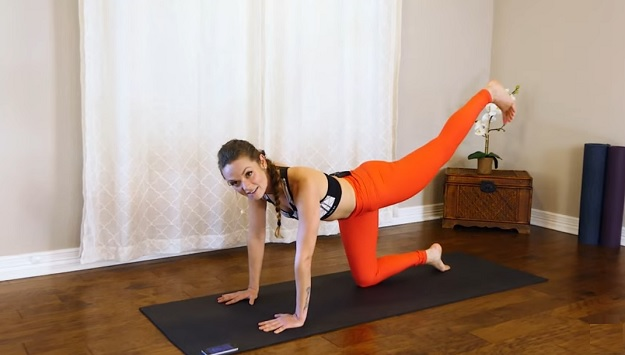10-minute abs & booty sculpting workout video