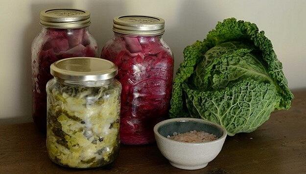 Homemade naturally fermented sauerkraut recipe